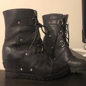 *knockoff* Joan of Arc Arctic Boot